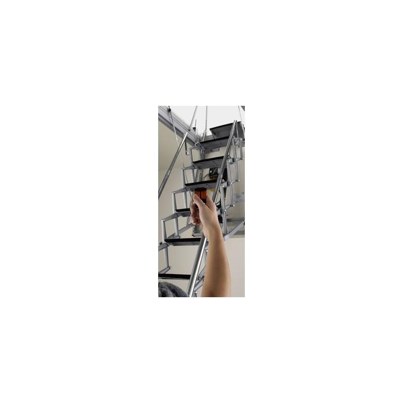 Scala soffitta motorizzata elettrica for Scala per soffitta